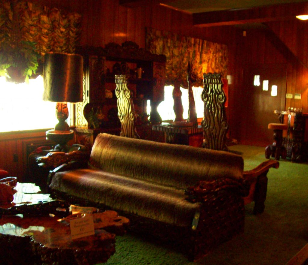 graceland-elvis-jungle-room